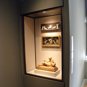 Built-in case with patinated bronze trim, Yale University Art Gallery